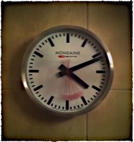 Clock7Bokeh1MidtoneSharpenGlowBrushup 2